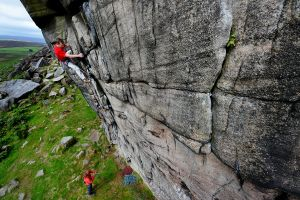 David Kirsfelds cutting it on Surform (HVS), Higgar Tor, Peak District