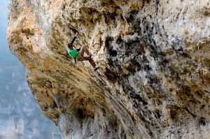 Bob Hickish cruising on But a gaz (F7b ), Gorge du Tarn, France