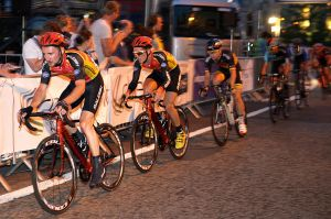 Finishing laps of the Sheffield Criterium