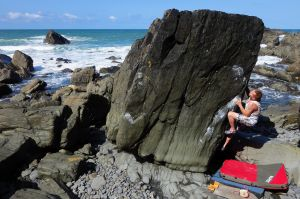 Robin Barker looking for the Clinical Edge (Font 7b), Hartland Quay