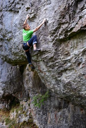 Toby Dunn on Atlantic Realm (F7cplus ), Long Wall, Chee Dale