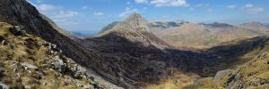 Trwfan and the Ogwen Valley from the Miner's Track