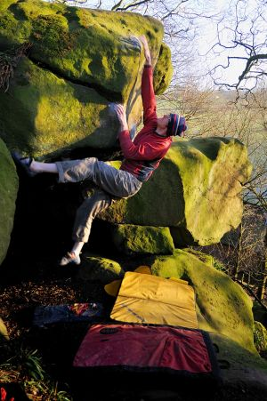 Domes (Font 7a ) @ Rowter Rock - Big Tom crusing