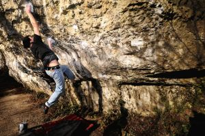 ??? (Font 7c) @ Anston Stone - Chris Lockyer in dynamic mode
