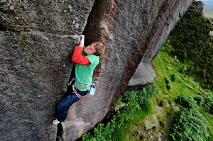 Goliath (E5 6a) @ Burbage South - Pete Whittaker giving crack masterclass